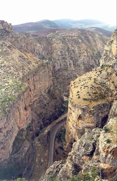 Cehennem Deresi Canyon in Ardanuc