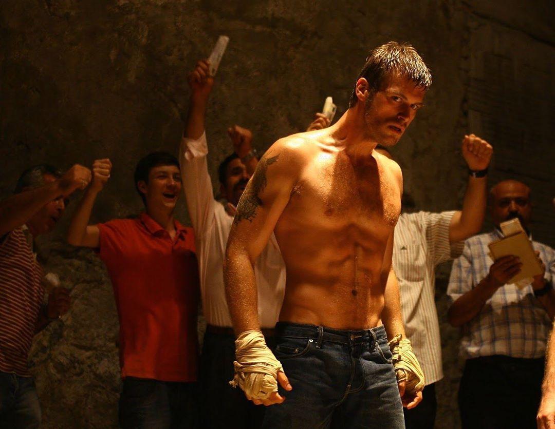 The actor acted as Kuzey in Kuzey Güney Turkish TV series