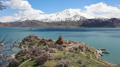 Must-See places in Turkey Van Gölü (Van Gölü)
