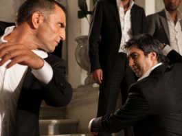 Memati and Polat Alemdat dancing Harmandalı in Memati's wedding