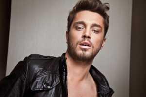 Murat Boz became a very popular popstar