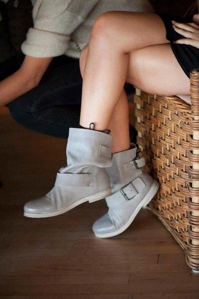 Beren Saat legs and boots
