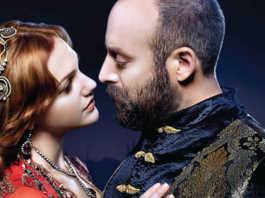 Hurrem (Meryem Uzerli) and Magnificent Suleiman in Magnificent Century
