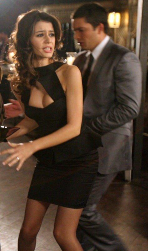 Beren Saat in Aşkı Memnu in a sexy dress