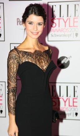 Beren Saat in black dress