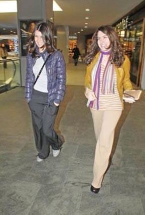 Beren Saat in casual clothes