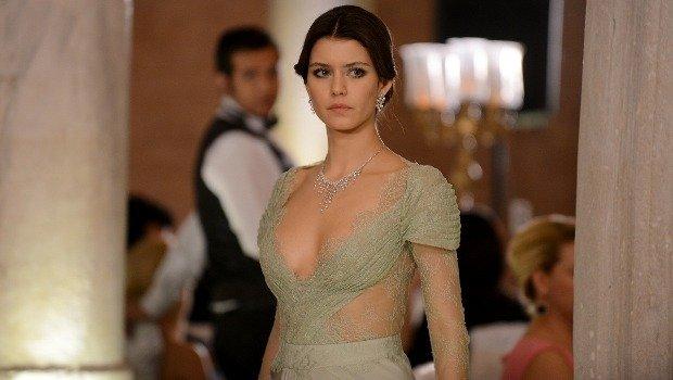 Beren Saat Dressing Style – Special Photo Gallery