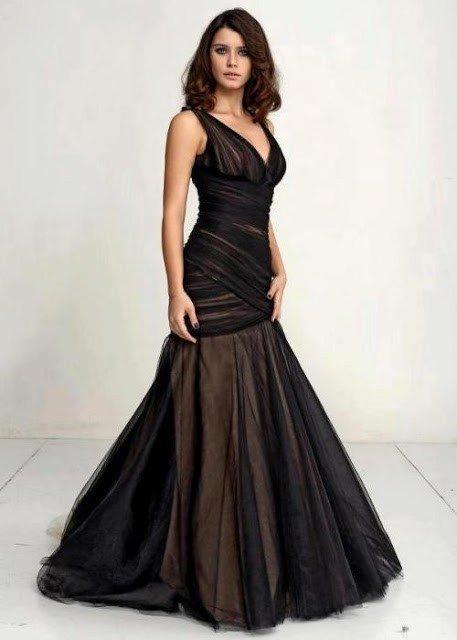 Beren Saat's dress in İntikam(Revenge) advertisements