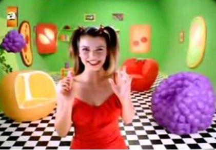 Beren Saat in her first television advertisement