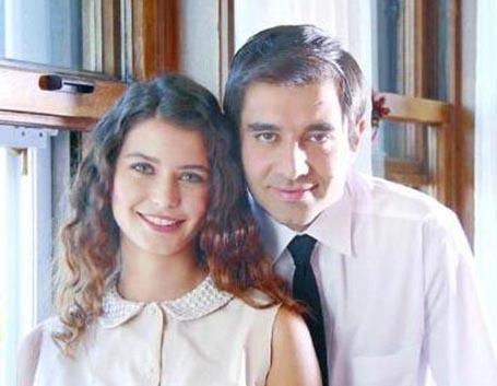 Beren Saat with Cansel Elçin in Hatırla Sevgili(Remember Darling)