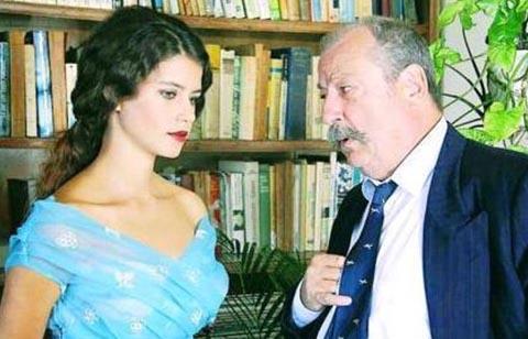 Beren Saat in Hatırla Sevgili(Remember Darling)
