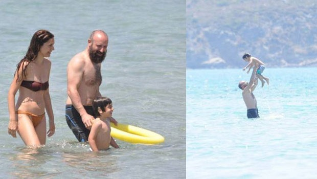 Berguzar Korel and Halit Ergenç in holiday with their son Ali Ergenç