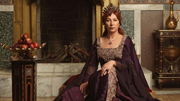 Vahide Gördüm take over the role as Hürrem Sultan