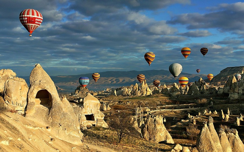 Ballon flight over fairy chimneys(Hoodoo) - Cappadocia