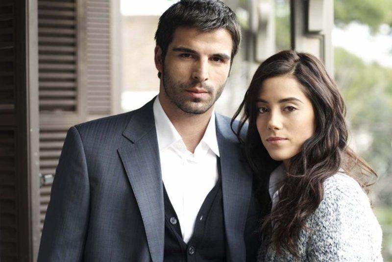 Sıla (Cansu Dere) and Boran (Mehmet Akif Alakurt) in Sıla