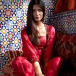 Tuba Büyüküstün in an oriental dress