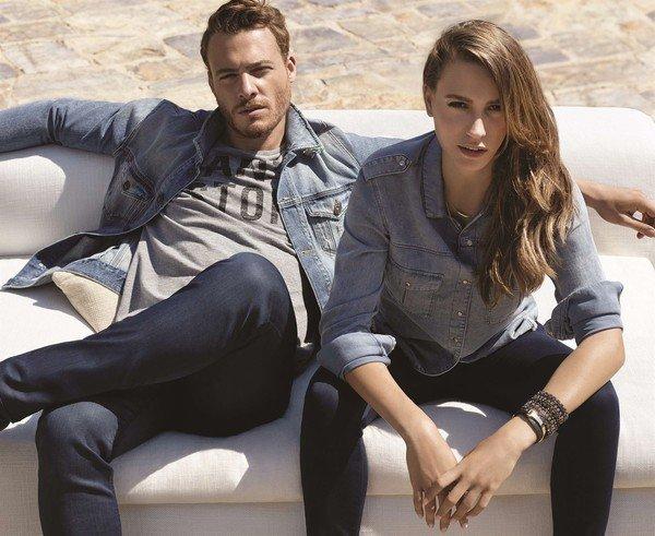 Kerem Bursin and Serenay Sarıkaya in Mavi jeans advertisement