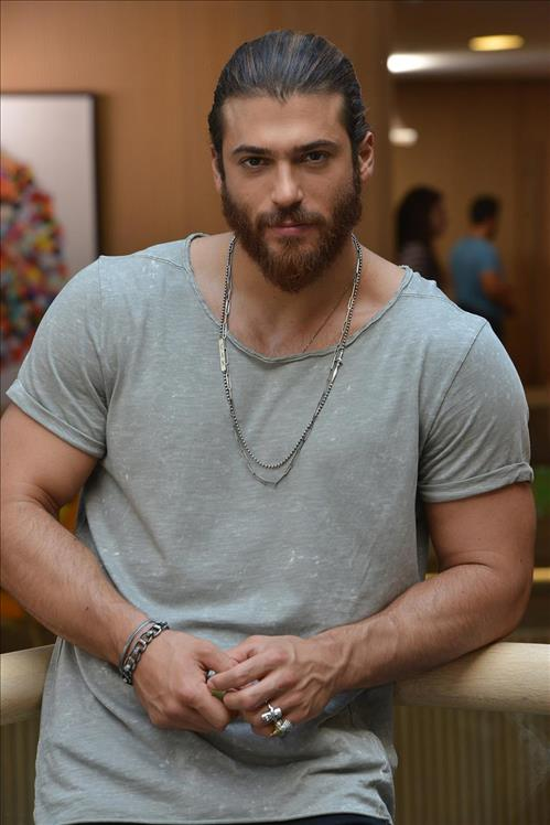 Can Yaman plays the Can Divit in Erkenci Kuş - Early Bird Tv Series