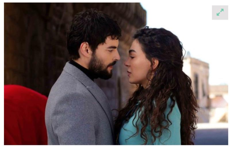 Miran Aslanbey played by Akın Akınözü, and Reyyan Şadoğlu played by Ebru Şahin