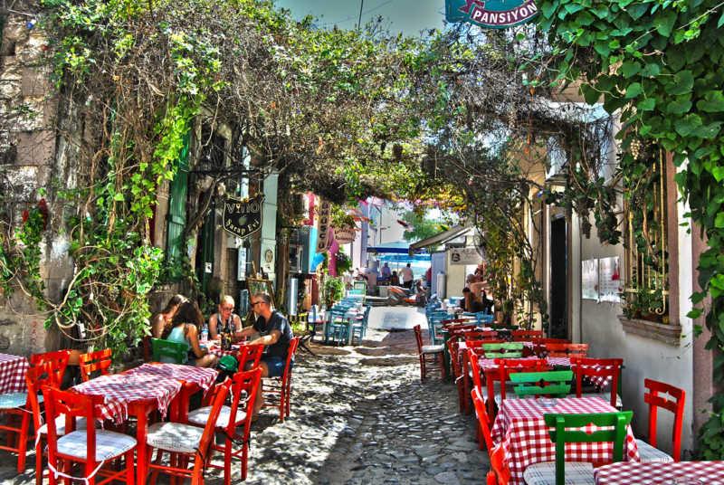 Cunda Island has many cosy cafes and restaurants