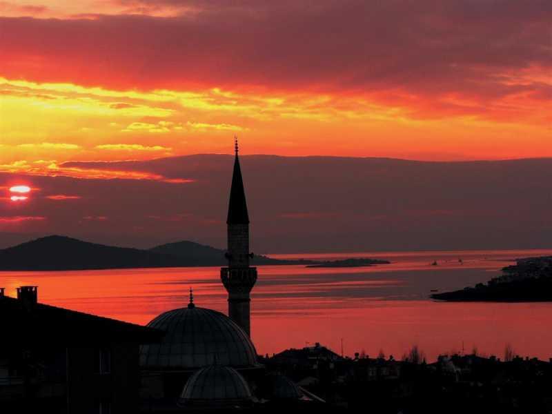 You shouldn't miss the sunset at the Devil's Peak of Ayvalık