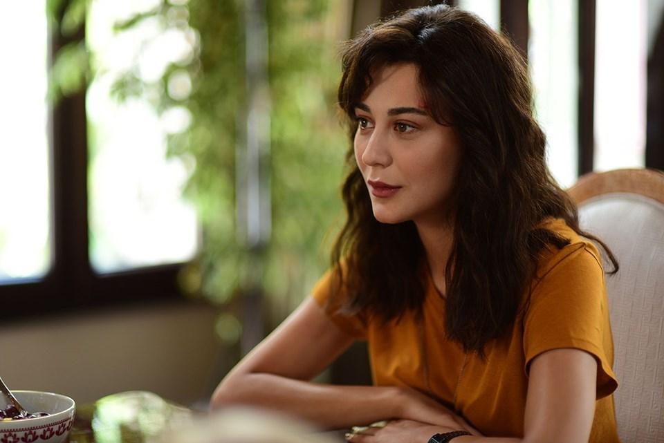 Akça Yılmaz (played by Merve Çağıran) is the biological mother of The Kid