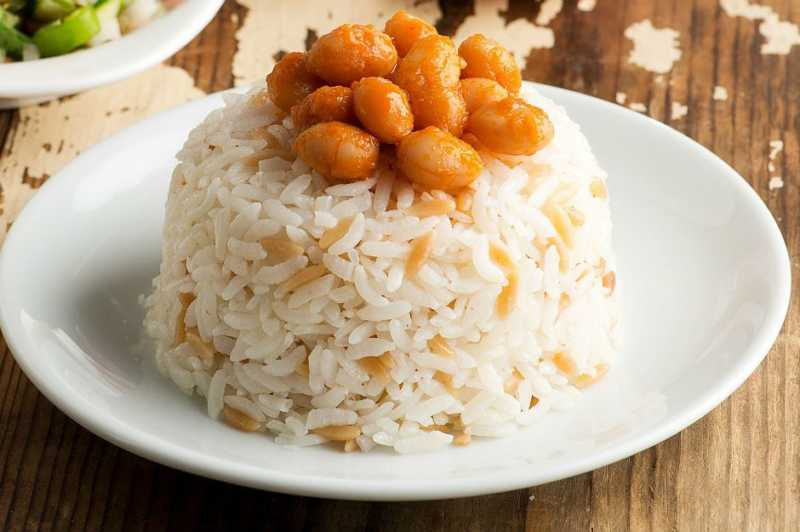 Turkish rice pilaf is the sultan of Turkish cuisine.