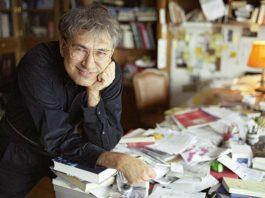 Nobel laureate Turkish novelist Orhan Pamuk met his readers in Istanbul at a conference.