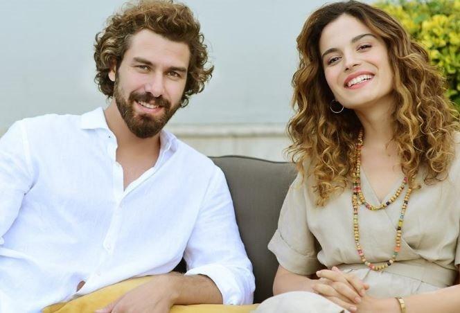 Furkan Palalı and Aslı Bekiroğlu in Benim Tatlı Yalanım - My Sweet Lie Turkish romantic comedy TV show.