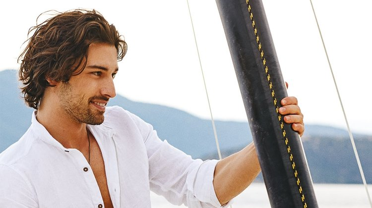 Alp Navruz (30) was born in Istanbul and studied Turkish Language and Literature.