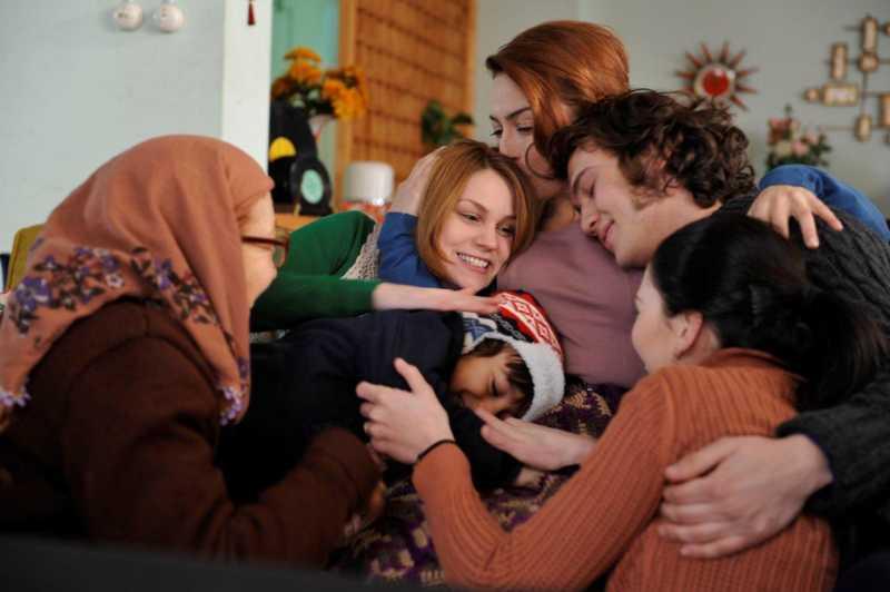 Öyle Bir Geçer Zaman Ki — Time Goes By was a warm Turkish TV series.