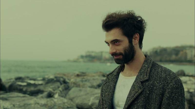 Turkish actor İlker Kaleli became gigantic as Poyraz
