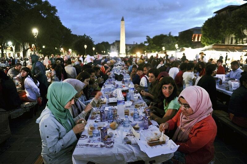 Break feast views in Turkey before Coronavirus.