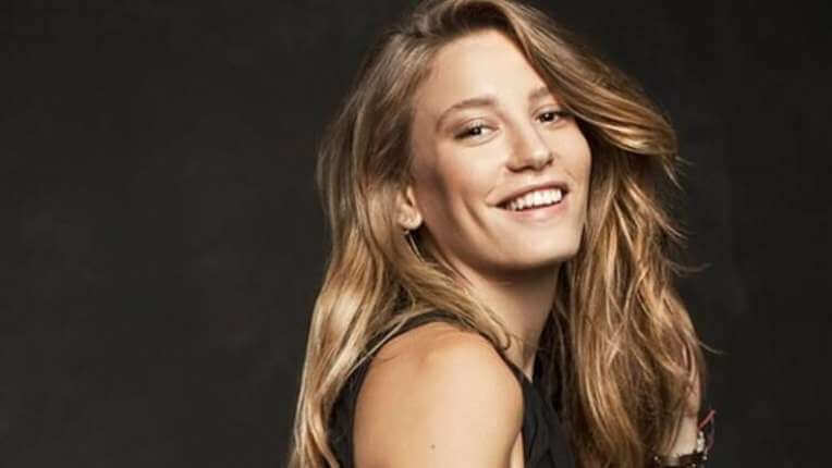 Beautiful Turkish Celebrities in Their 20s: Serenay Sarıkaya (Image Credit: Jwoox)