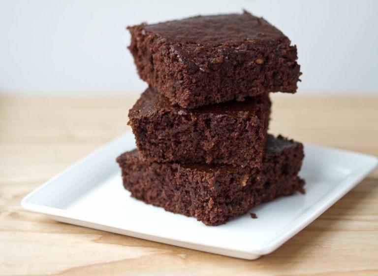 Delicious Wacky Cake Recipe That Ease Your Boredom in Quarantine