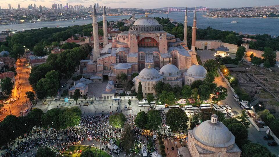 Islam believers wait to worship again in Hagia Sophia after 86 years. (Image Credit-TRT World)