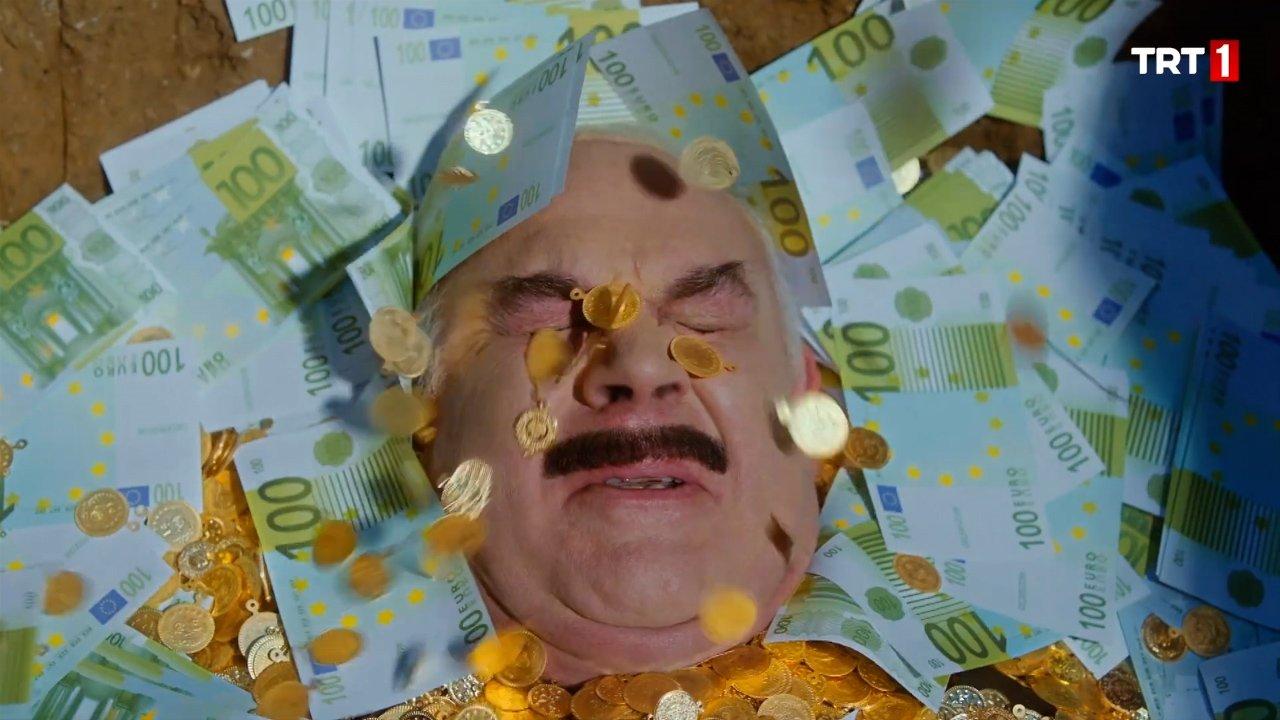 Güven Kıraç (as Namzet Horanta) acts a money lover man. (Image Credit-Sabah)