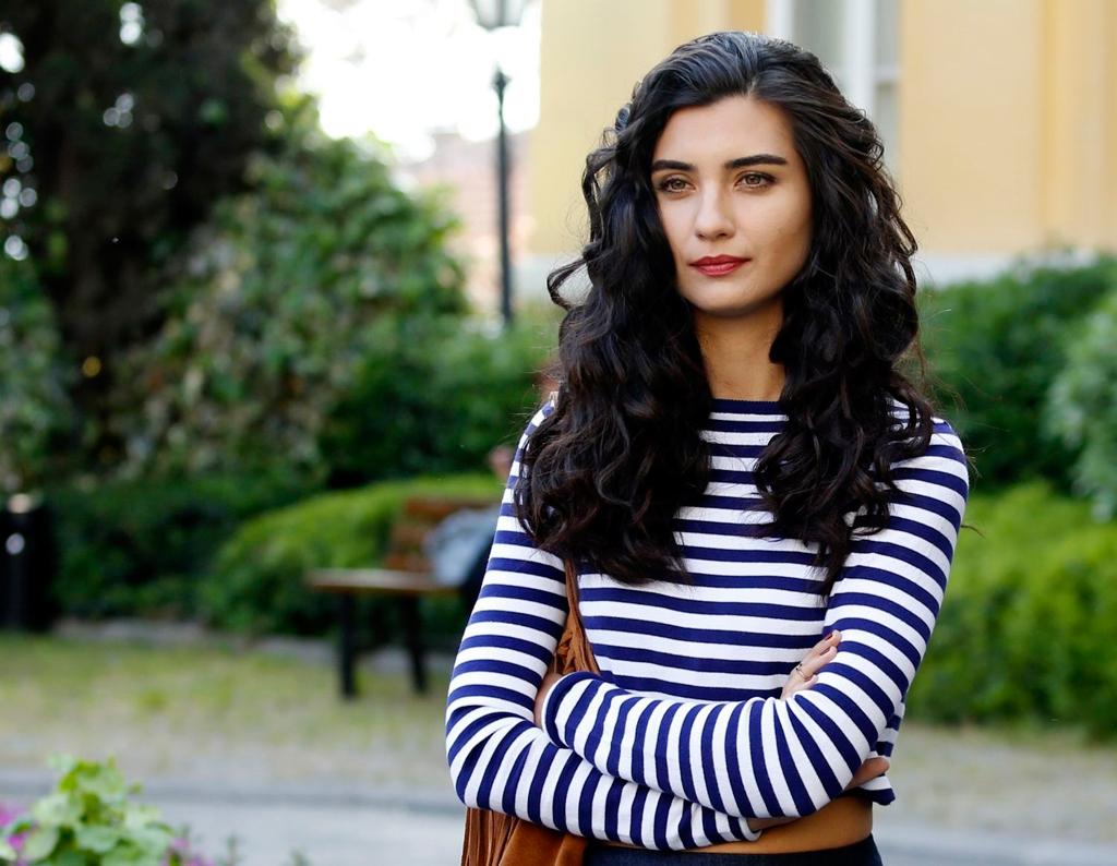 The beautiful actress in ''Asi'' Turkish TV drama. (Image Credit-Wannart)