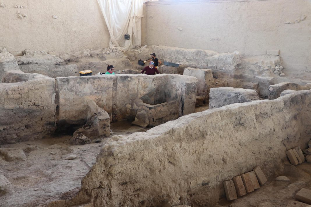 4.000-year-old textile mill in Turkey has aroused great excitement. (Image Credit-Daily Sabah)