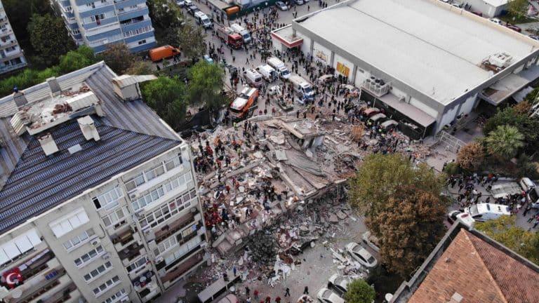 Breaking News: Earthquake in Izmir Magnitude 6.6 Killed at least 12