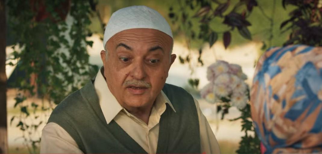 Ali Sadi Hoca (Settar Tanrıöğen) acted as a hodja and a spiritual guide