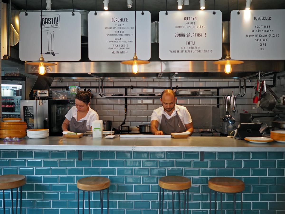 Basta Street Food Bar, Moda