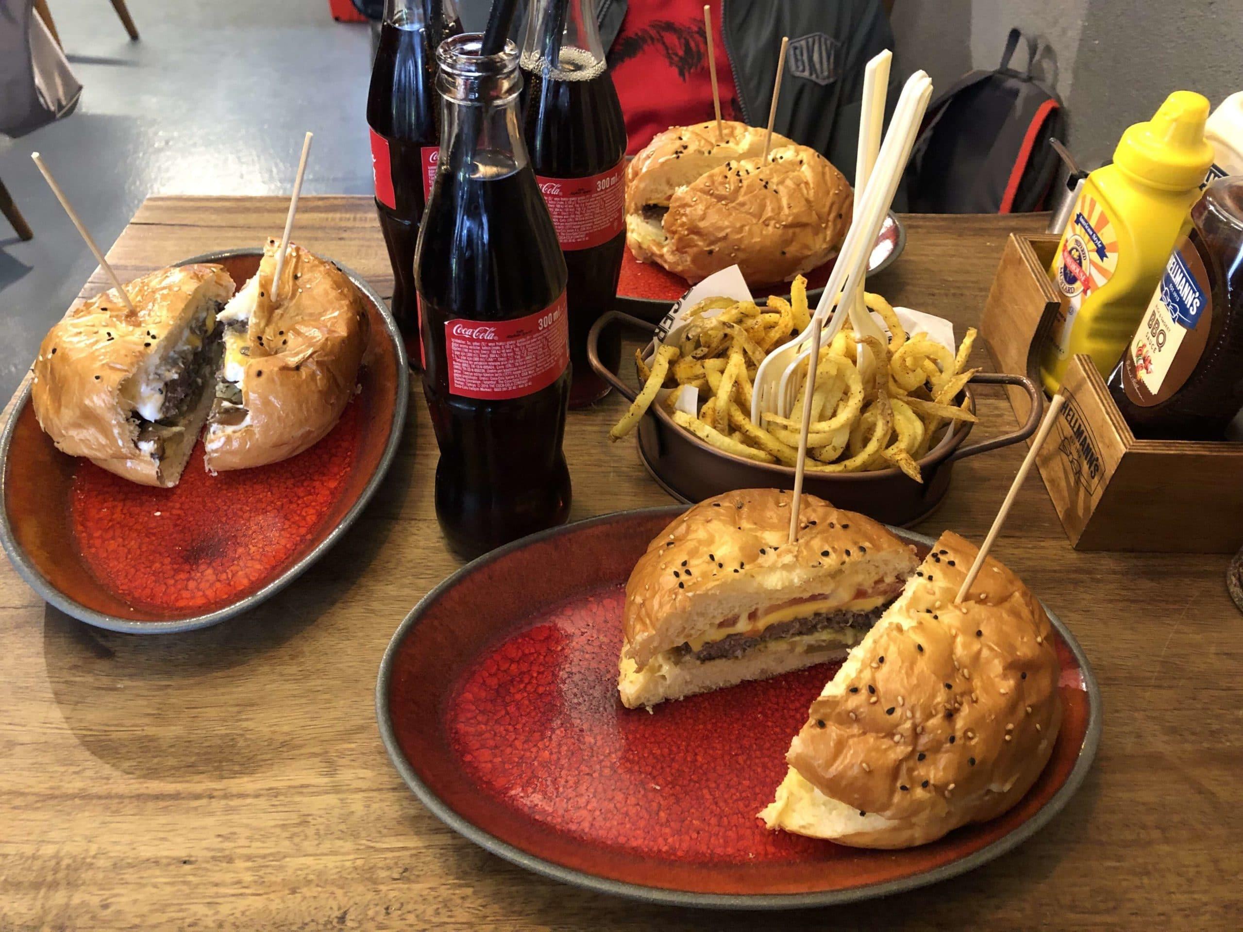 Bread and Burger, Bebek