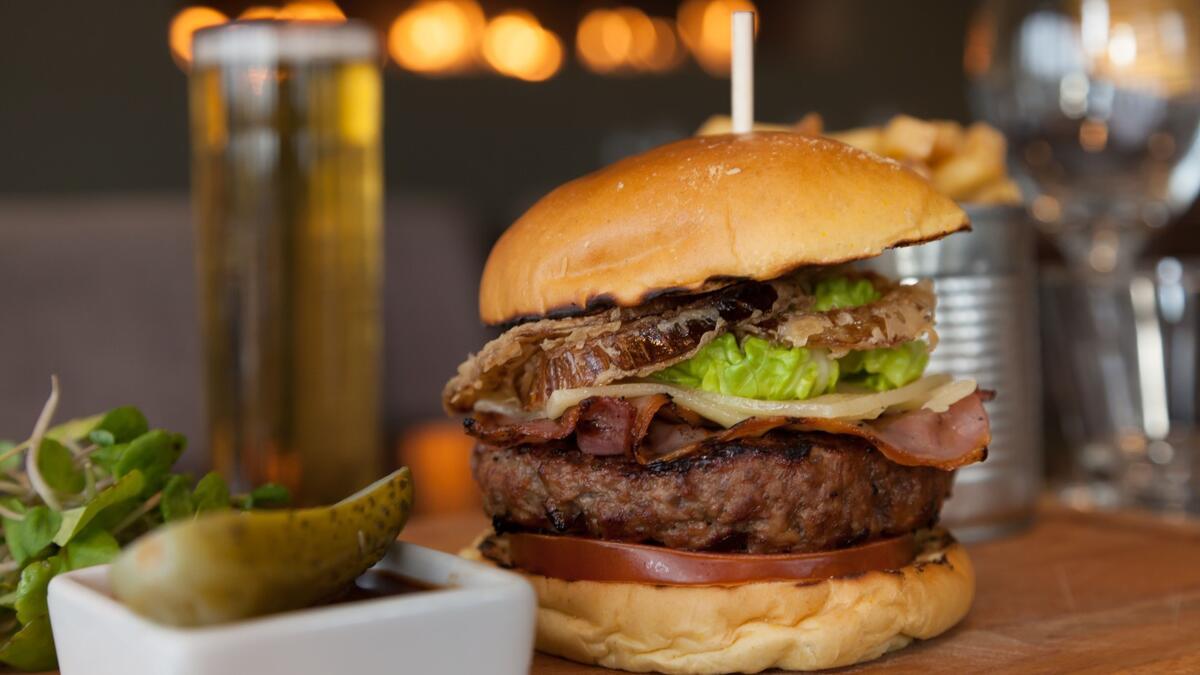 J Burger, Kadıköy