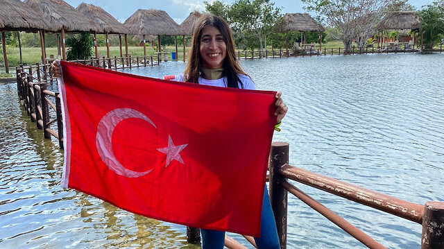 Turkish free diver Fatma Uruk set 3 world records in 3 different categories in Mexico