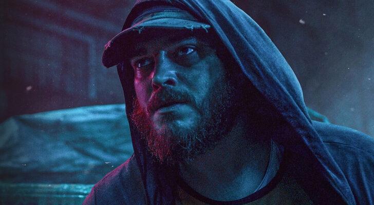 Çağatay Ulusoy is acting as Mehmet in (Kağıttan Hayatlar) Papar Lives, Turkish original film on Netflix