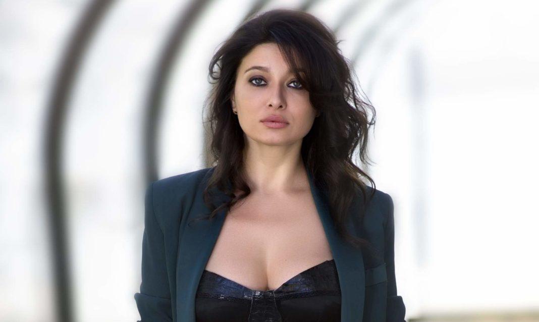 Nurgül Yeşilçay: An accomplished Turkish actress with a glamorous beauty