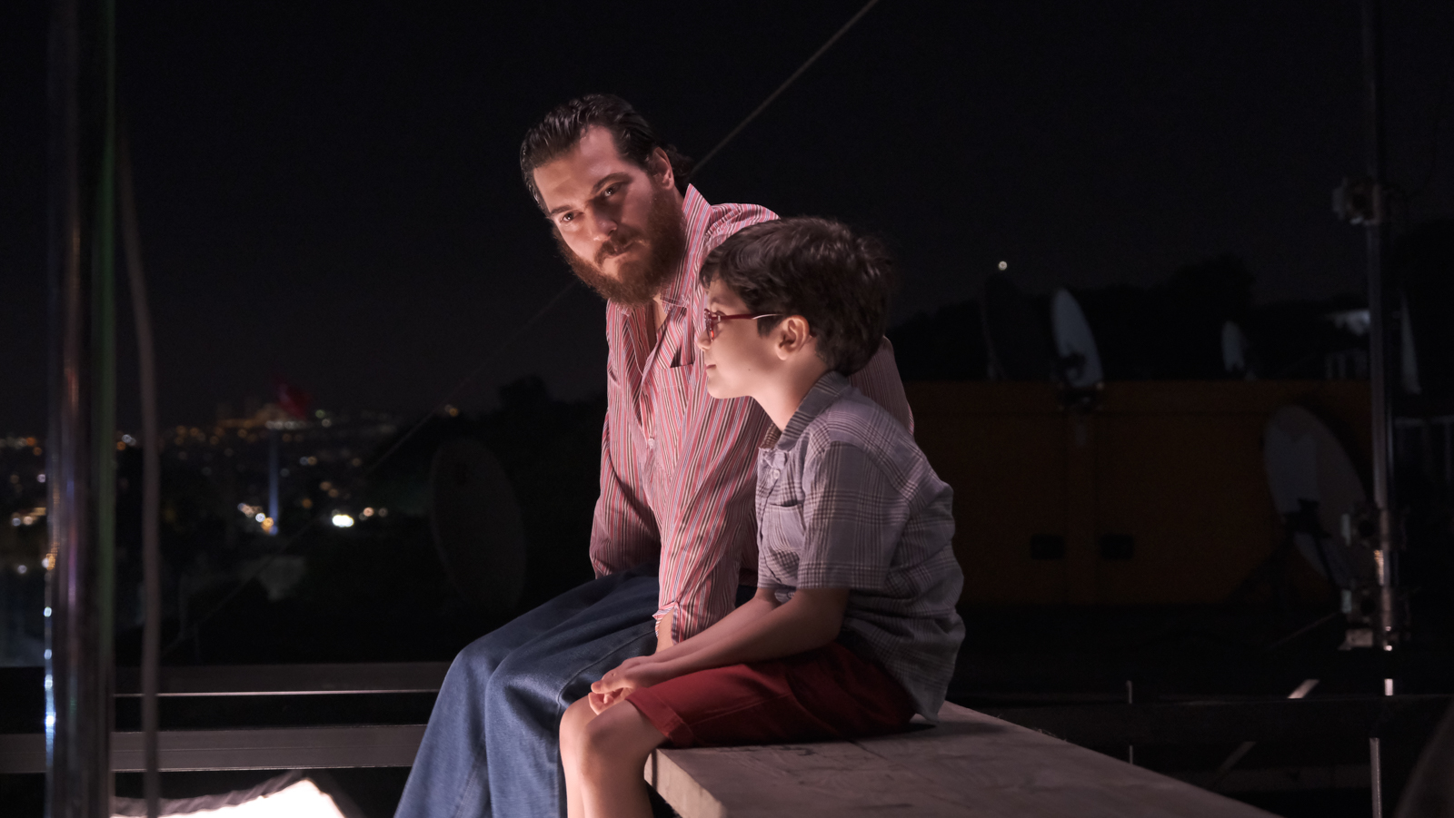 The 8 year-old-boy Ali will cause Mehmet to face his own childhood and past