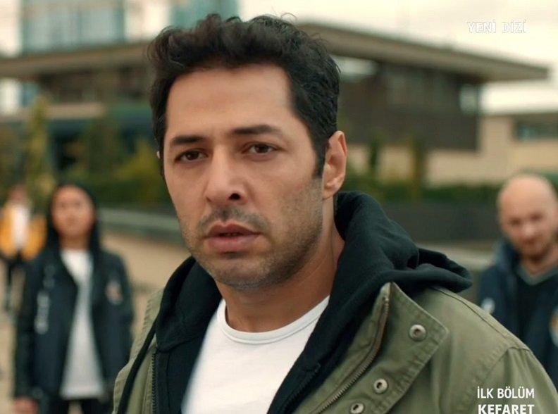 The master Turkish actor Mert Fırat is acting as police chief Sinan in the Turkish drama Kefaret (Atonement)