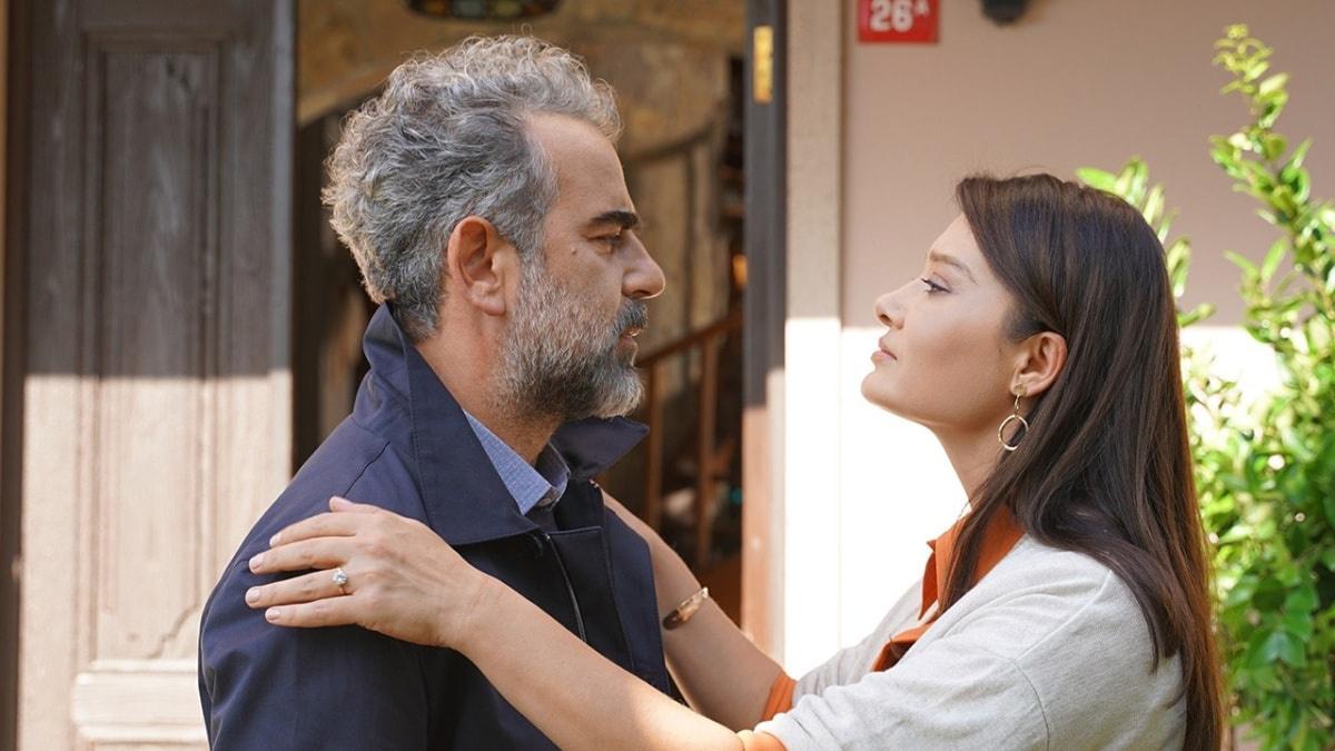 Yurdaer Okur (as Ahmet) and Nurgül Yeşilçay (as Zeynep)